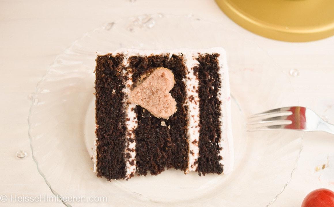 Kleine Himbeer Schoko Torte mit Herzchen