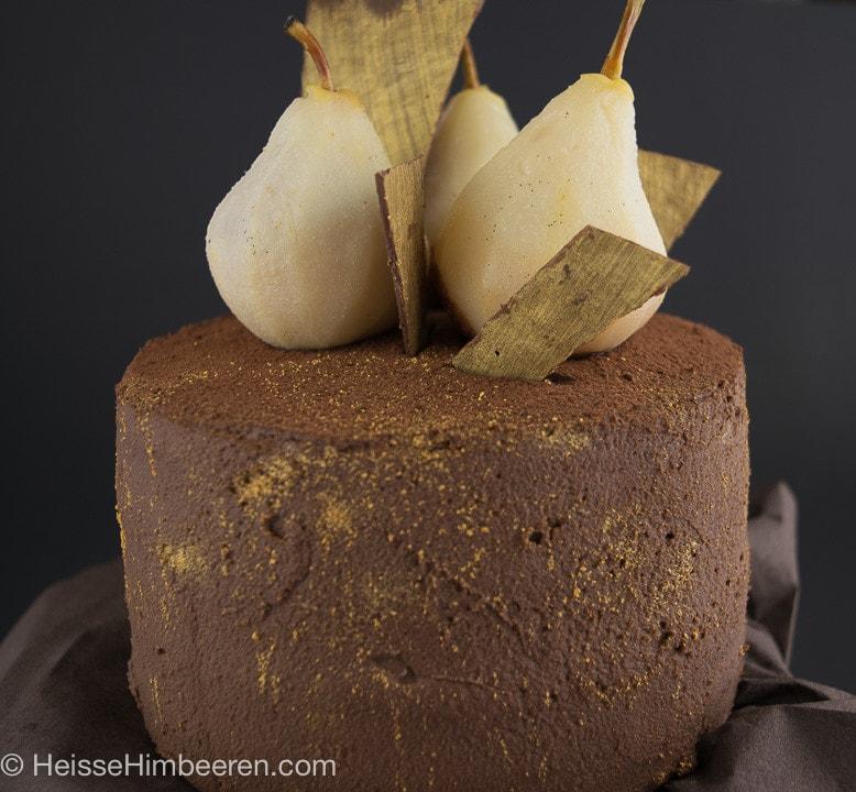 Weißwein-Vanille-Birnen Torte mit Schokosahne
