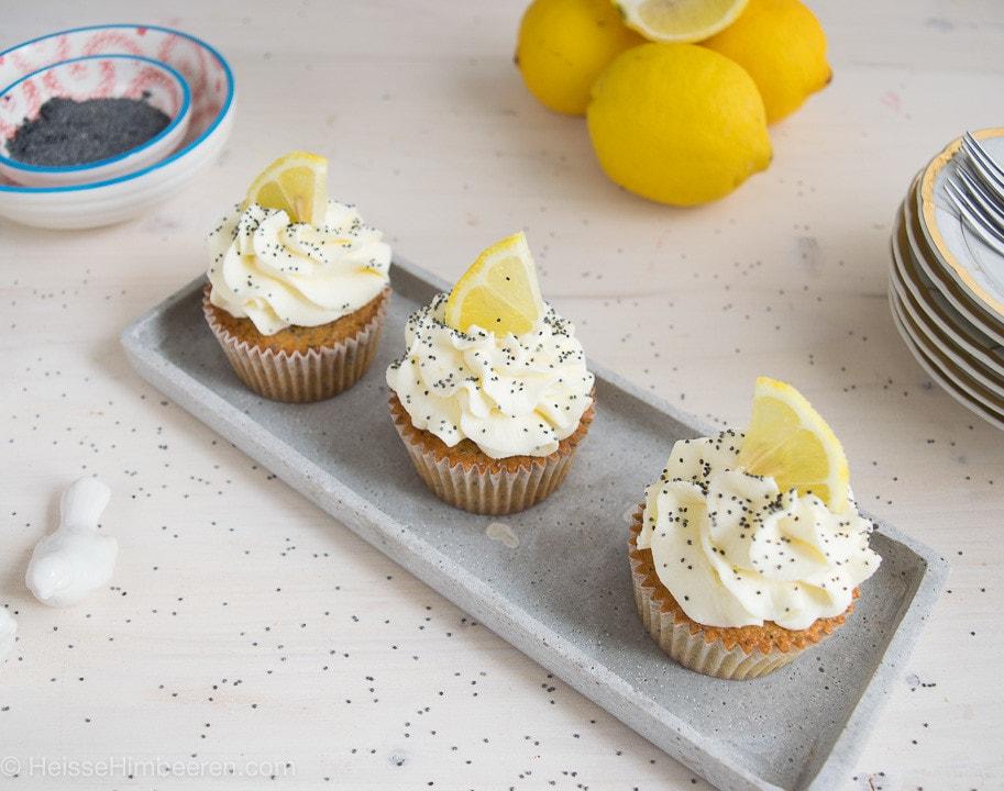 Zitronen_Mohn_Cupcakes-2