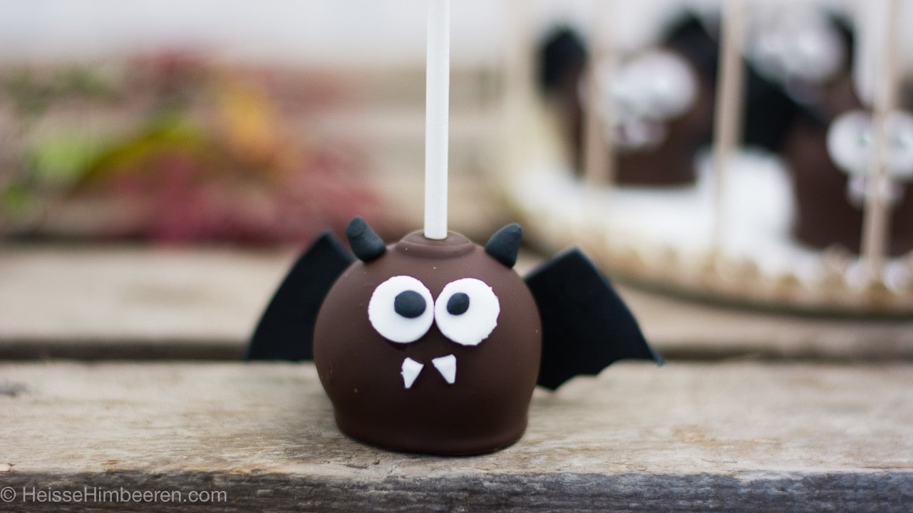 fledermaus halloween cake pops heisse himbeeren. Black Bedroom Furniture Sets. Home Design Ideas