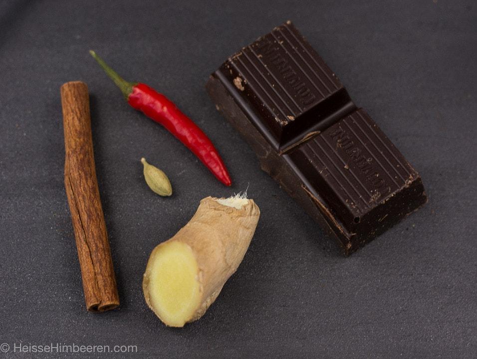 heisse_schokolade_mit_gewuerzen