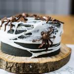 Halloween Spinnennetz Kuchen – Schokoladig, schaurig, lecker – das Halloween Spezial