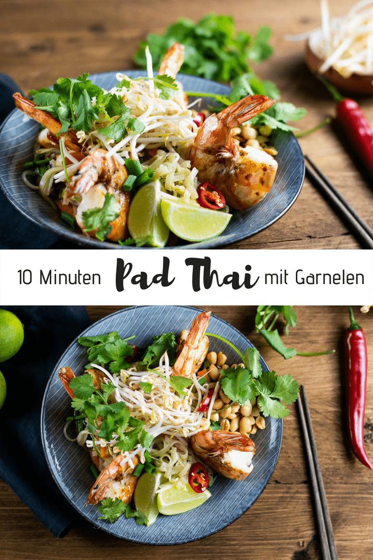 Der erklärte Publikumsliebling der Thailand Urlauber ist nicht nur wahnsinnig lecker, sondern auch das perfekte schnelle Abendessen. Mit einer extra Portion Gemüse und saftigen Garnelen ist es zudem noch richtig gesund. Und das Beste? Das Pad Thai ist in gerade mal 10 Minuten zubereitet und steht dampfend auf dem Tisch! #abendessen #padthai #thailand #garnelen #dinner