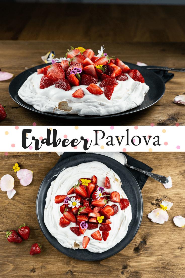 Luftig lockere Pavlova, gefüllt mit Schlagsahne und frischen Erdbeeren. Ein Rezept, das mindestens genauso lecker ist, wie es unkompliziert ist und mit Sicherheit der absolute Hit in der Erdbeerzeit und den ganzen Sommer lang.