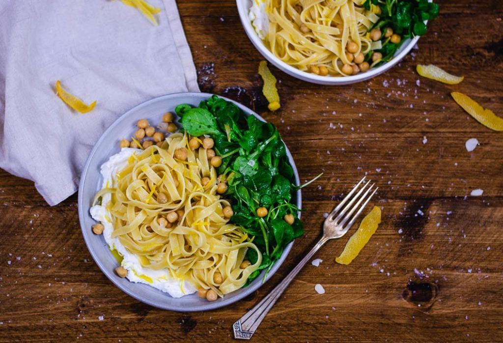 Flatlay Pasta mit Ricotta